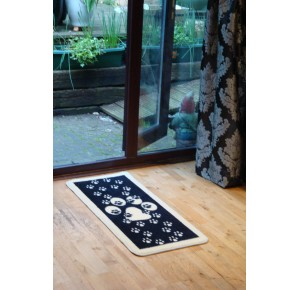 Barrier rugs black with paws